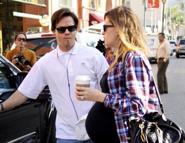 Марк Уолберг и его беременная супруга