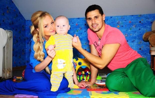 Счастливая семья. Сергей и Дарья Пынзарь, а также их сын Артем