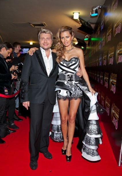Николай Басков и Виктория Боня на церемонии RU.TV. Боня - в платье, которое будет испорчено Николаем