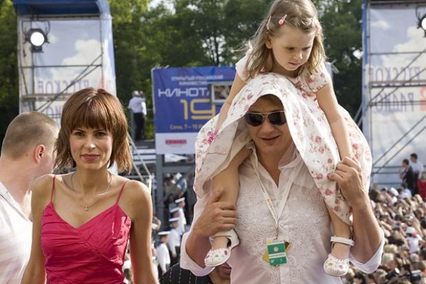 Башаров с дочерью и экс-супругой