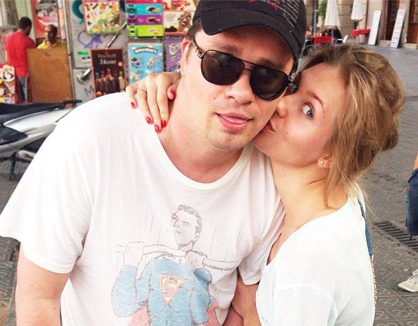 Асмус целует Харламова