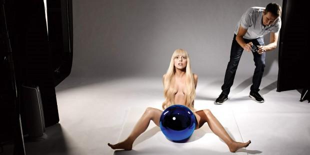 Промо-фото к провальному альбому Леди Гаги Artpop