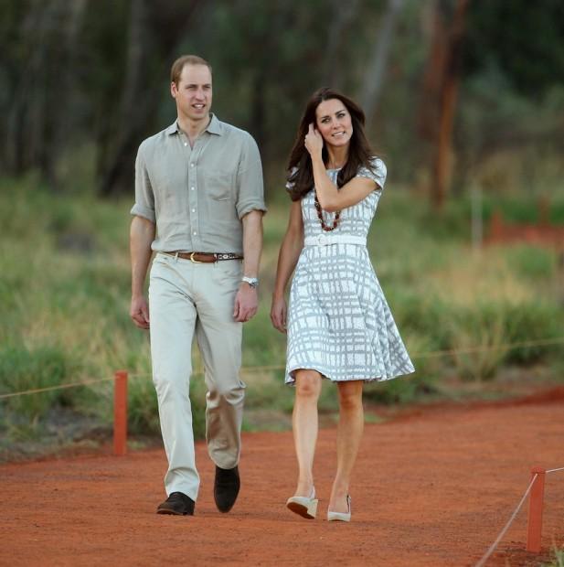 Принц Уильям и Кейт Миддлтон на прогулке