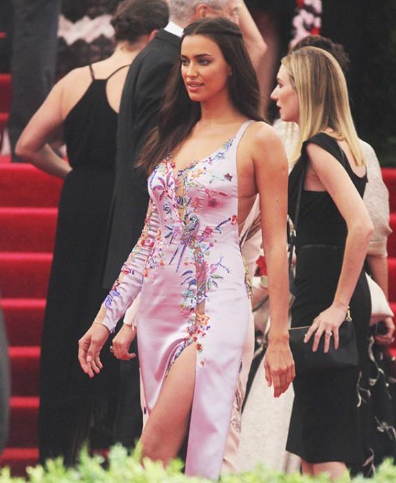 Модельеры раскритиковали платье Ирины Шейк