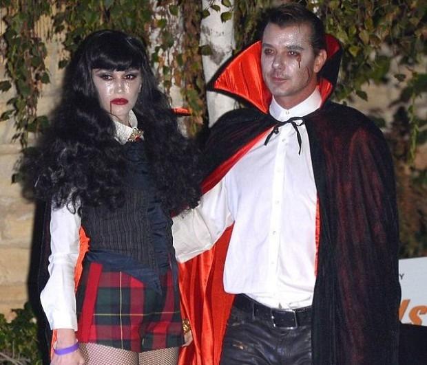 Гвен Стефани в костюме вампирши