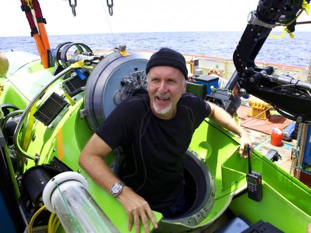 Фото Джеймса Кэмерона на небольшом судне