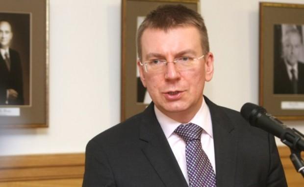 МИД Латвии Эдгарс Ринкевич выступает перед публикой