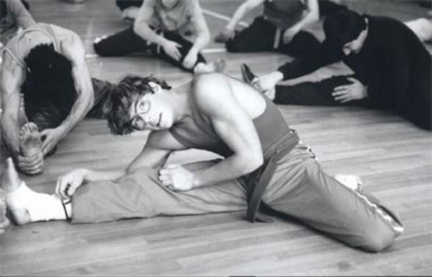 Ван Дамм на тренировке у своего наставника