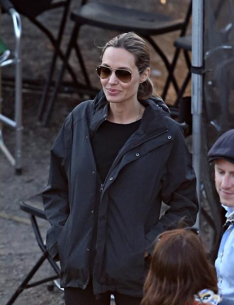 """Анджелина в роли режиссера. Сидней, съемки фильма """"Несломленный"""""""