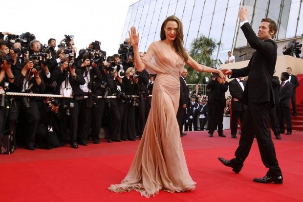 Платье, идеально подчеркивающее фигуру Джоли