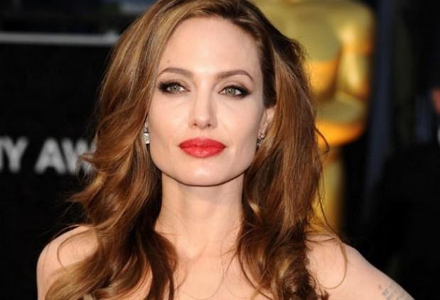 """Прическа Анджелины Джоли на премии """"Оскар"""""""