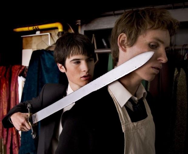 Кто придет к нам с мечом, тому спасибо за реквизит