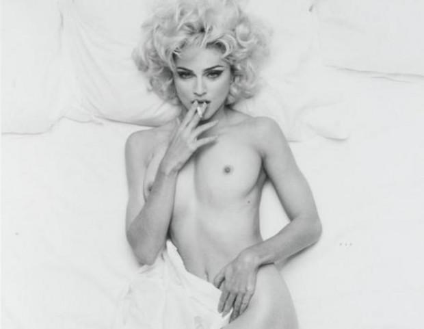 Фотографии обнаженной Мадонны
