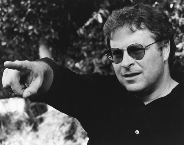 Тот самый режиссер Лоурэнс Кэздалл, который заметил актерский талант Микки