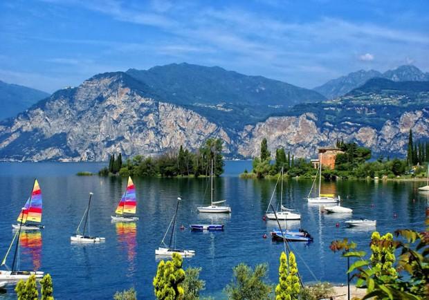 Яхты на озере Комо, Италия