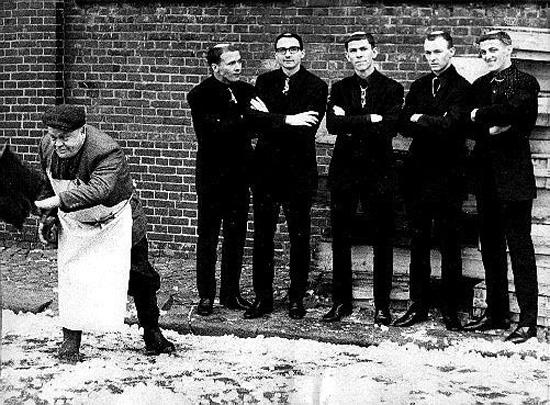 Фото ребят из Monks