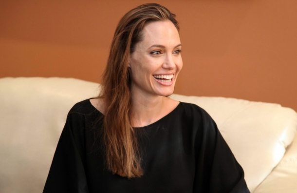 Анджелина Джоли, операция, звезды, Голливуд, актриса