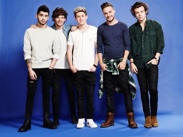 One Direction на синем фоне