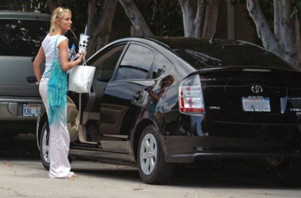 Камерон Диас со своей машиной