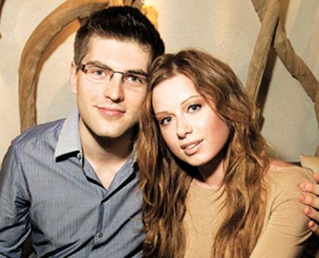 все об юлии савичевой фото с мужем