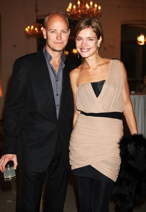 Еще одна пара самых стильных - Наталья Водянова и ее муж Джастин Портман