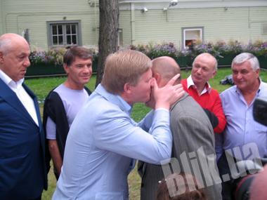Ренат Ахметов поздравляет Игоря Крутого с 55-летием