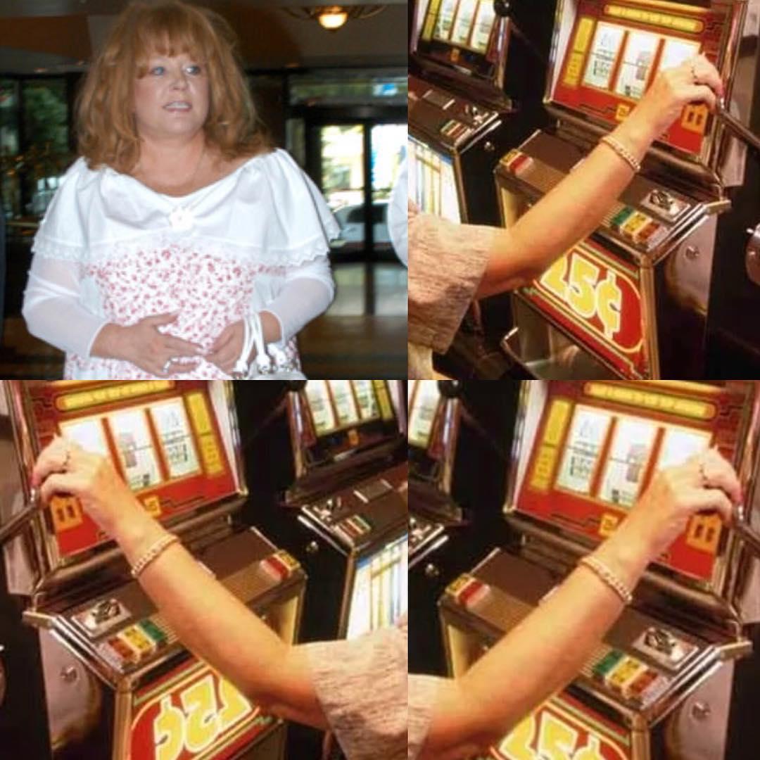 В спутника казино городе со