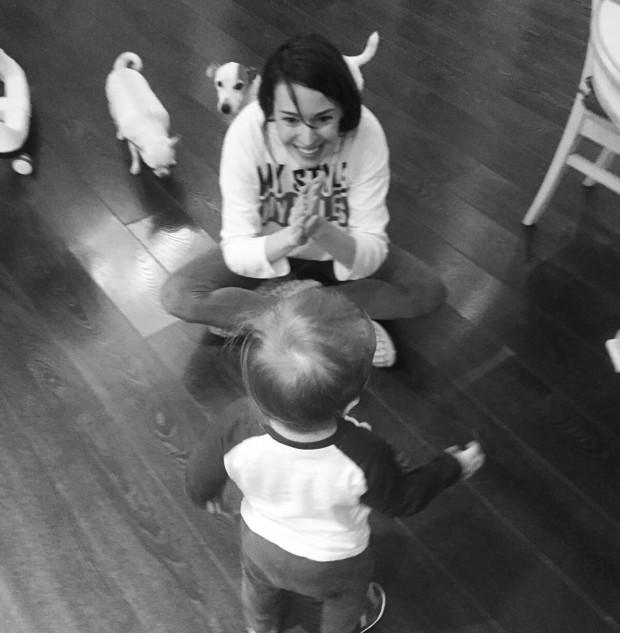Агния Дитковските с ребёнком