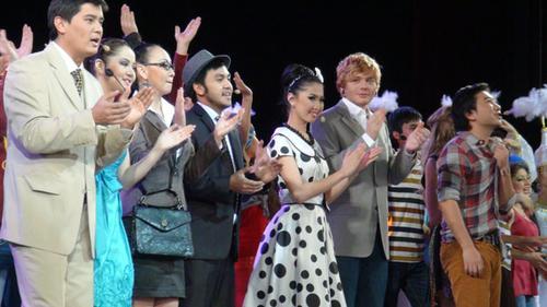 Александр Кривошапко на премьере молодежного мюзикла «Дом твоей мечты» в Казахстане