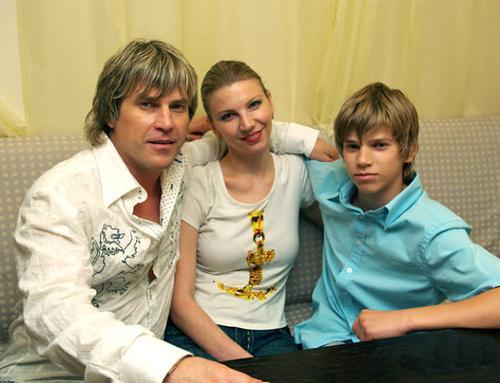 Алексей Глызин с супругой Соней и младшим сыном Игорем