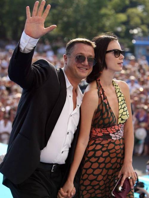 Алексей Макаров с невестой