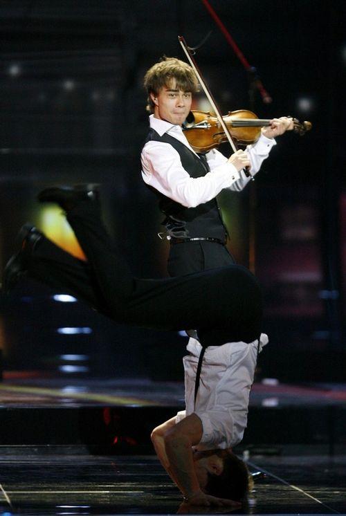 Норвежский певец Александр Рыбак