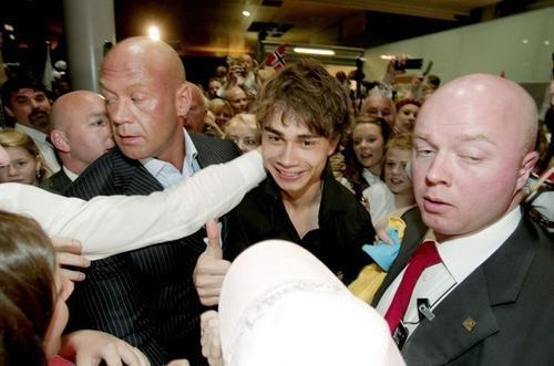 Александр Рыбак в аэропорту Осло