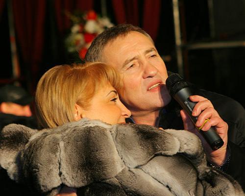 Ленид Черновецкий посвящает жене свои песни