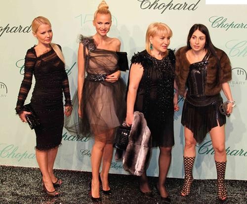 Алина Айвазова и Кристина Черновецкая на вечеринке ювелирного бренда Chopard в Каннах, 17 мая