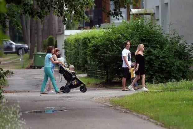Алла Пугачева и Максим Галкин с детьми на отдыхе