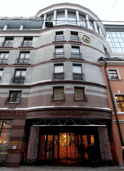 """Гостиница """"Амбассадор"""" в Санкт-Петербурге, где обнаружили мертвым Бобби Фаррелла"""