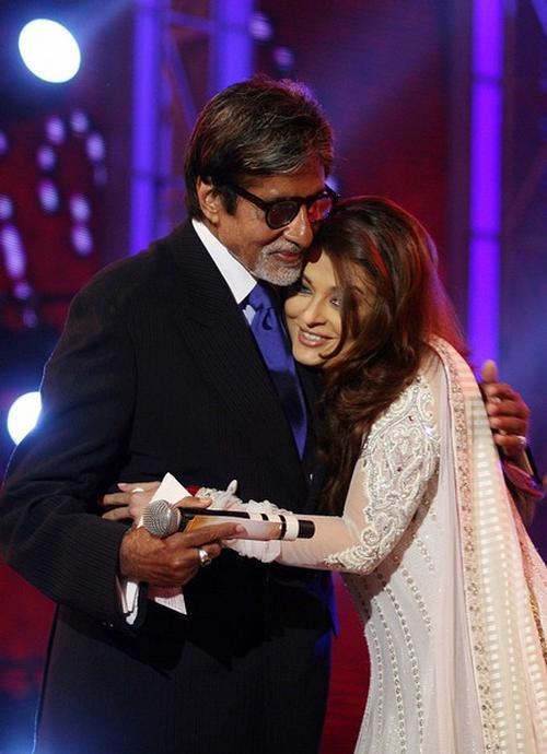 Айшварайя Рай со своим свекром-актером Амитабом Баччаном