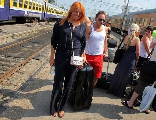 Анастасия Стоцкая приехала поездом в Юрмалу