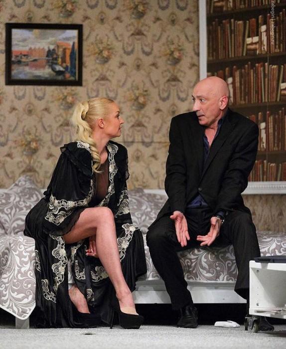 Анастасия Волочкова на театральной сцене