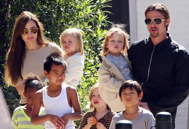 Анджелина Джоли и её семья