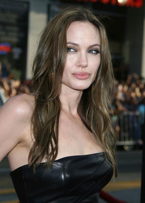 34-летняя Анджелина Джоли стала мега-звездой Голливуда