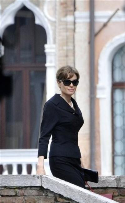 Анджелина Джоли на съемках фильма «Турист» в Италии
