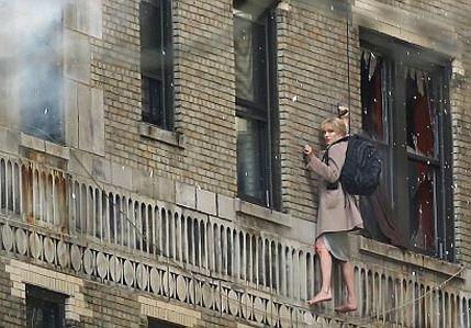 Анджелина Джоли сама выполняет сложные трюки