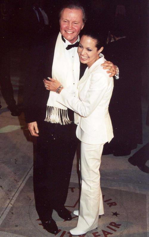 Анджелина Джоли с отцом Джоном Войтом