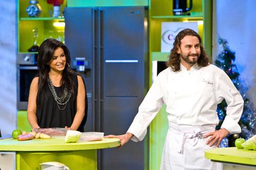 Ани Лорак на съемках программы«Кулинарный поединок»