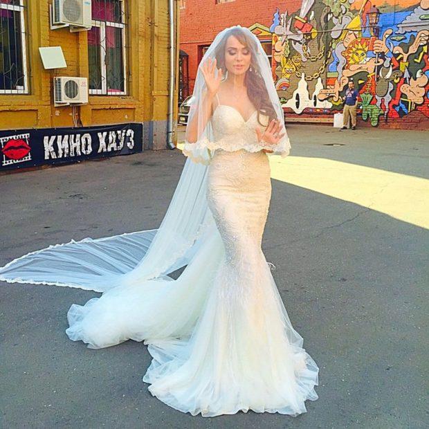 Анна Калашниковав свадебном платье