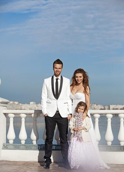 Максим Чернявский и Анна Седокова с дочерью Алиной