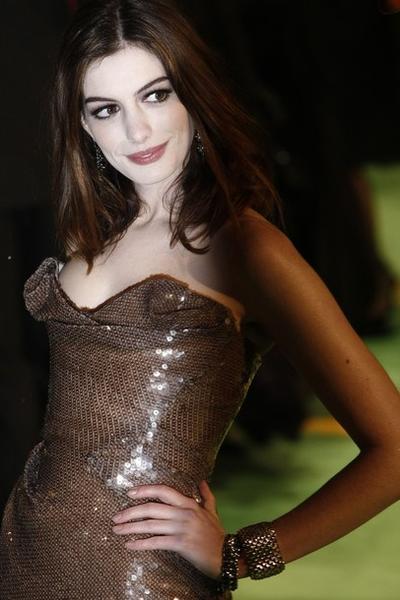 2. Энн Хэтэуэй / Anne Hathaway