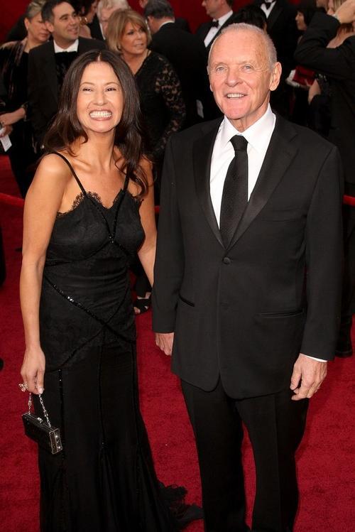 Энтони Хопкинс с супругой - колумбийской актрисой Стеллой Арройяве